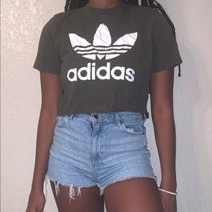 Cropped adidas shirt